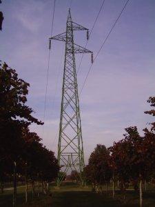 Traliccio elettrodotto Terna 132 kV 500 A, singola terna