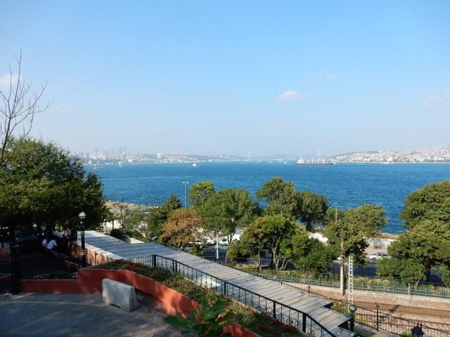 Navi in attesa di attraversare il Bosforo - Mar Nero - Mar di Marmara